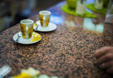 две чаши с кафе от капсула